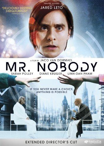 Bay Hiçkimse / Mr. Nobody (2009) IMDb: 7.9  Başlıkta bahsi geçen Bay Hiçkimse, 2092 yılında dünyada kalmış son ölümlü olan 117 yaşındaki Némo adlı bir adam. Ölüm döşeğindeki Némo genç bir çocukken bir peronda durduğunu hatırlar. Tren kalkmak üzeredir. Annesiyle birlikte mi gitmeli yoksa babasıyla mı kalmalıdır? Bu karar, sonsuz sayıda olasılığı doğuracaktır... Ve pek çok gezegen, iki ölüm ve sevilecek kadınlar.... http://www.imdb.com/title/tt0485947/