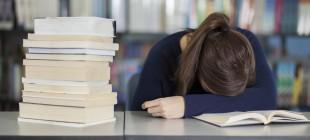 Ders Çalışırken Uyumak Verimliliği Artırıyor